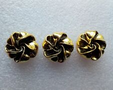 3 cache boutons accessoire vintage vêtement , forme bouton doré ouvragé  .D8