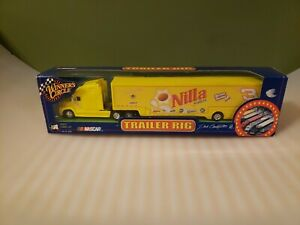 WINNER'S CIRCLE Dale Jr. Nilla Wafers Hauler Trailer Rig Truck 1:64 2002 NASCAR
