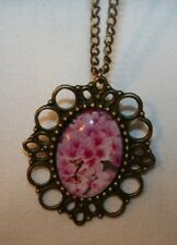 Lovely Picot Rimmed Pink Cherry Blossoms Brasstone Pendant Necklace ++++