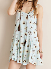 ENTRO Floral print dress featuring tiered skirt. Non-sheer. Lined. Woven.size M