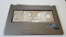 Medion Akoya palmrest w/ touchpad, power button P7612 MD97860