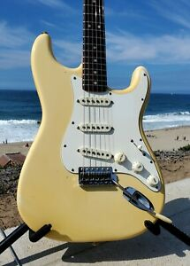 Beautiful 1974 Fender Stratocaster, Rare Rosewood Neck w/OHSC