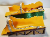 Micro Machines Yellow Bridges Tunnel - Stunt bridge jump - 2001 Hasbro
