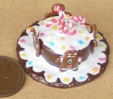 1;12 Scale Cake With Ginger Bread Men Dolls House Miniature Accessory NC67b