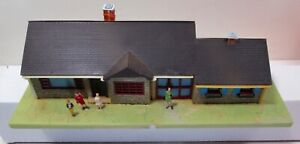 Fully Assembled Vintage TYCO  Ranch House #944 - With People
