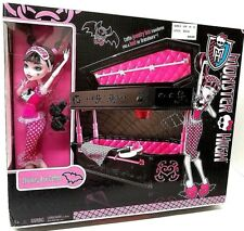 NEW Monster High Draculaura Doll & Jewelry Box Coffin Accessories ORIGINAL 2010