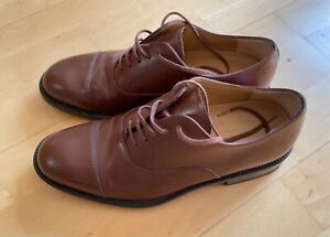 Tod's mens shoe size 6, worn only a few times and in very good condition.