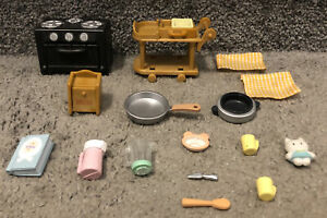 Calico Critters Sylvanian Kitchen Oven Cart And Miscellaneous Accessories Lot