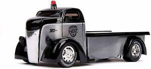 Jada Heat 1947 Ford COE Flatbed truck 20th anniversary 1:24 scale model