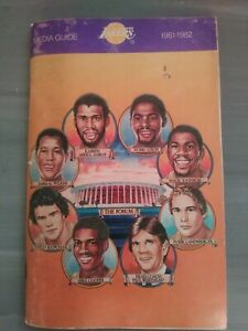 1981-82 LOS ANGELES LAKERS MEDIA GUIDE Yearbook 1982 NBA CHAMPS MAGIC JOHNSON AD