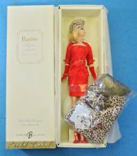 BARBIE RED HOT REVIEWS SILKSTONE DOLL GOLD LABEL COLECCION K7918 MATTEL FASHION