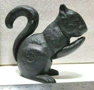 """Vintage Cast Iron Squirrel Nut Cracker, Painted Black, Pull-Push Tail.. 5"""""""