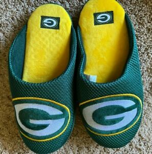 Green Bay Packers Football Slippers Men's S 7 8