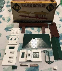 Vintage Plasticville HO Railroad Station Kit Ho-100 1/8 Scale Unassembled