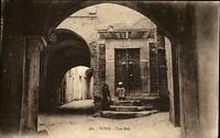 Tunis Africa Afrika ~1910/20 Postcard une rue Straßenpartie Kinder vor Haustüre