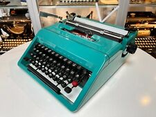 OLIVETTI Studio 45 - 1970 - portable typewriter Schreibmaschine vintage antik