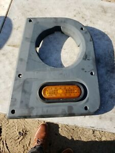 MACK LE SERIES HEADLIGHT BEZEL LEFT SIDE DRIVER 116QS468M