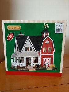 LEMAX Harvest Crossing Lighted Farmhouse Christmas Village Used in Box 2015