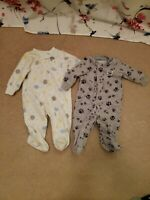 LOT 2 BABY BOYS 3M COZY FLEECE SLEEPERS PAJAMAS FOOTED CARTERS INFANT GREY WHITE