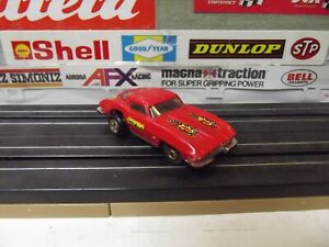AFX AURORA - TJET RED 1963 SPLIT WINDOW CHEVY CORVETTE With ROUND RIVET CHASSIS