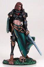 DARK SWORD MINIATURES - DSM7206 Female Cavalier w/Long Sword & Shield