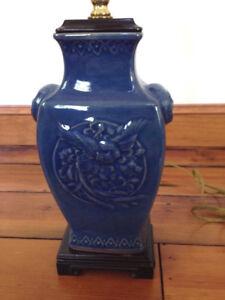 Vintage Style Asian Cobalt Blue Porcelain Ceramic Glazed Ginger Jar Bird Lamp