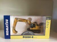 Komatsu PC 200-8 Kettenbagger von NZG 632 1:50 OVP