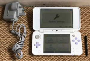 *New Style* Nintendo 2DS XL: White & Lavender Handheld Console, Stylus & Charger