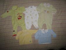 3 pyjamas  + 2 haut en velour velour (sucre d'orge + in extenso) 6 mois