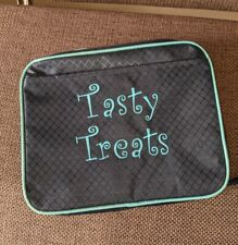 Tasty Treats zippered INSULATED LUNCH BOX - by Thirty One snacks takeout