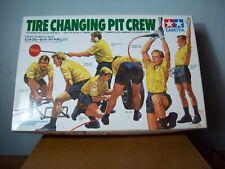 1/20 TAMIYA 20031 THE CHANGING PIT CREW BUILT BOX 2