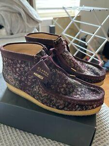 Clarks WallabeesBoot Burgundy Velvet Size 12 RETAIL $250