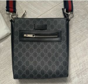 Designer Mens Gucci Messenger Bag Pouch 100% Authentic