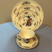Wedgwood Potpourri creamware FIVE piece place setting NK510