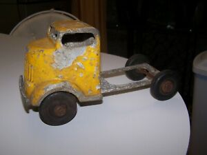 Vintage Antique '40s? Diecast Yellow Truck Cab w/ Hard Rubber Tires - Unknown