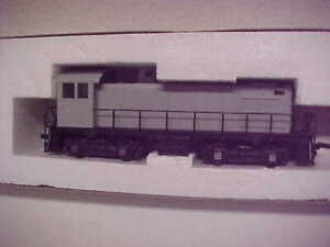 HO, Atlas, #8070,Alco S-2, undecorated, grey body, new,lights,std DC