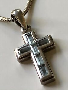 Sterling silver '925' and blue topaz stone cross and '925' chain necklace 10.89g