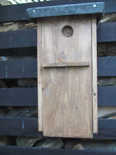XXL Specht Nistkasten aus massivem Fichtenholz mit Kletterhilfe f. Jungvögel