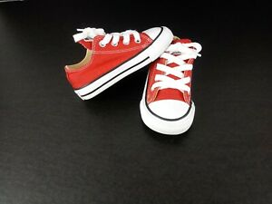 Converse All Star Chuck Taylor low tops    Red/white Toddler size 6