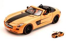 Mercedes Sls Amg Orange / Black 1:24 Model 31370O MAISTO