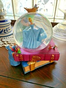 RARE! Disney Cinderella Fairy Godmother Stepsisters Gus Jaq Musical Snow Globe