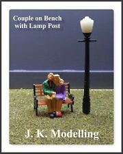 Couple On A Bench Under The Lamp Post - O Gauge (1:48) Model Railway Figures