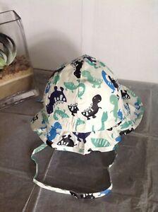 BN Licus Meek Era Toddler White/Dinosaur Print Sun Hat Flap/Chin Strap 1-2yrs