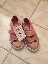 Girls NWT Circo Pink Sparkly Tennis Shoes Size 8