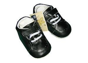 Niedliche, schwarze Taufschuhe Schuhe aus weichem Kunstleder Gr. 17, 18, 19 NEU