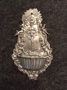 Weihwasserkessel aus Zinn - Christus am Kreuz - 23 cm x 13,5 cm zum Aufhängen