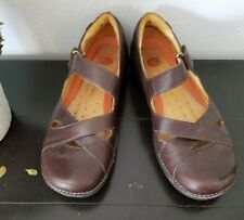 Clarks' Structured Brown Mary Janes Size 7M