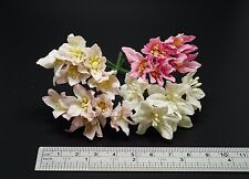 40 Mixed Pink / White Mulberry Paper Lily Flowers - 3 cm / 30 mm