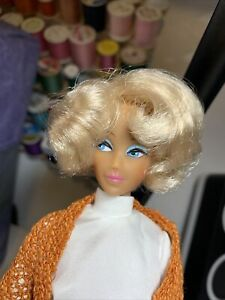 Series 4 Blonde Bubble Anouk Displayed only MINTY doll Suntan original outfit