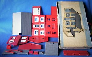 PLASTICVILLE O/S - TWO STORY COLONIAL HOUSE